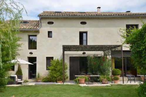 Luxus-Haus zu verkaufen EYRAGUES, 246 m², 3 Schlafzimmer, 940000€