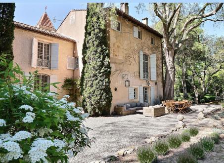 Casa di lusso in affito SAINT ETIENNE DU GRES, 700 m², 7 Camere