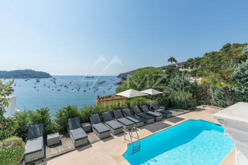 Luxury House for rent VILLEFRANCHE SUR MER, 300 m², 6 Bedrooms,