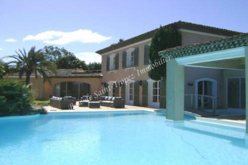 Maison de luxe à louer RAMATUELLE, 450 m², 6 Chambres