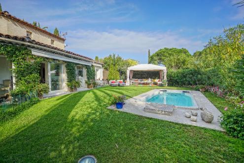 Luxury House for sale MANDELIEU LA NAPOULE, 142 m², 2 Bedrooms