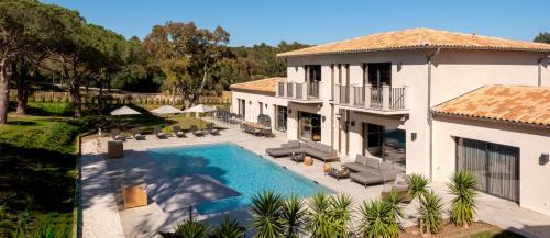 Дом класса люкс в аренду Ла-Круа-Вальмер, 470 м², 6 Спальни,