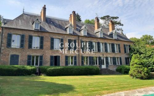 Château / Manoir de luxe à vendre NEVERS, 700 m², 9 Chambres, 877000€