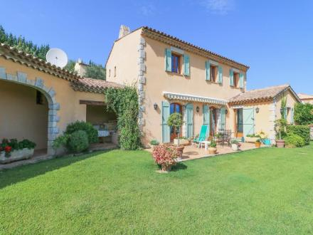 Villa de luxe à vendre SEILLANS, 237 m², 5 Chambres, 835000€