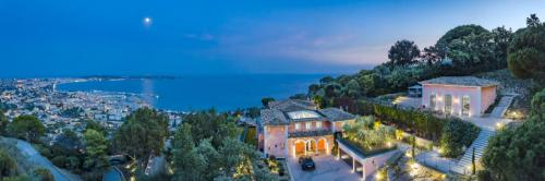 Luxury House for rent CANNES, 900 m², 9 Bedrooms,