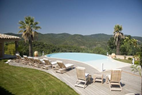Maison de luxe à louer FREJUS, 430 m², 5 Chambres,