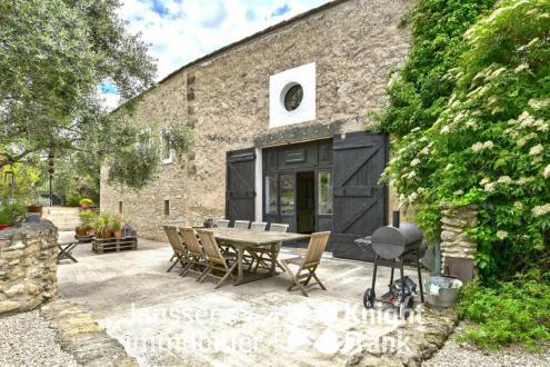 Luxe Farm te koop LOURMARIN, 249 m², 4 Slaapkamers