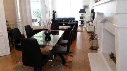 Maison de luxe à louer REIMS, 350 m², 5 Chambres