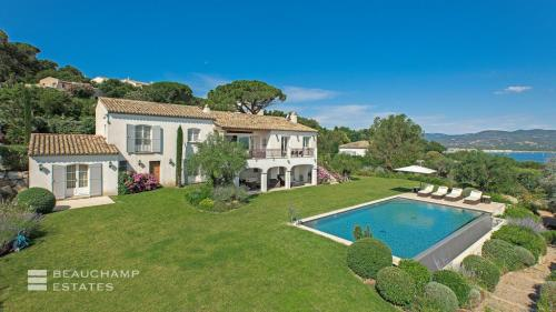 Luxury House for rent SAINT TROPEZ, 300 m², 8 Bedrooms,