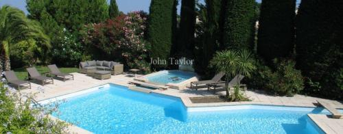 Luxury House for rent VALLAURIS, 300 m², 7 Bedrooms
