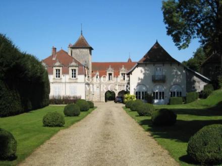 Château / Manoir de luxe à vendre ARBOIS, 600 m², 9 Chambres