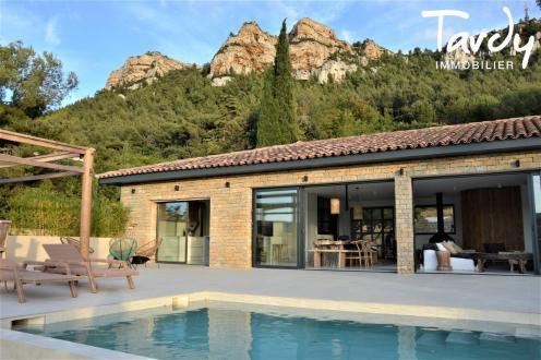 Maison de luxe à vendre CASSIS, 250 m², 5 Chambres
