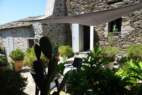 Luxury Property for sale BISINCHI, 350 m², 5 Bedrooms, €750000