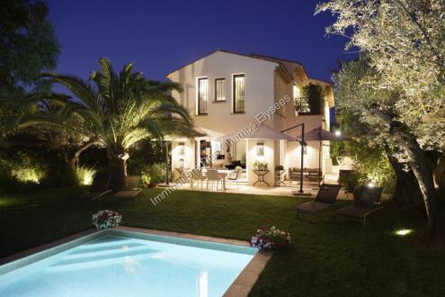 Luxus-Haus  zu vermieten PIERREFEU DU VAR, 220 m², 4 Schlafzimmer