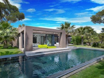 Maison de luxe à vendre SAINT RAPHAEL, 220 m², 4 Chambres, 1890000€