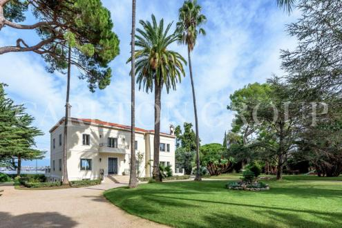 Luxury House for rent CAP D'ANTIBES, 600 m², 9 Bedrooms