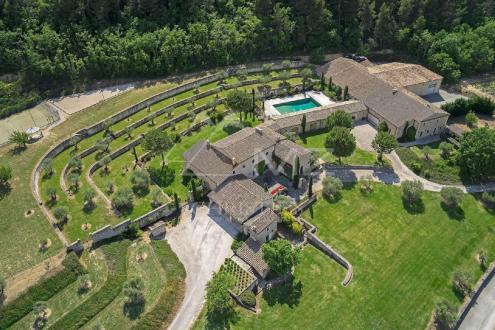 Maison de luxe à louer GOULT, 1000 m², 12 Chambres