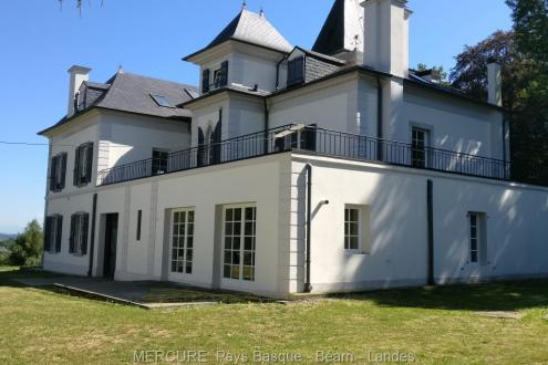 Luxus-Schloss / Herrenhaus zu verkaufen PAU, 850 m², 20 Schlafzimmer