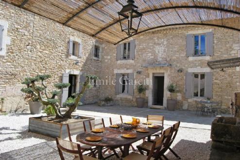 Maison de luxe à louer MENERBES, 200 m², 4 Chambres
