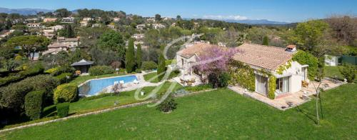 Luxury House for sale MOUGINS, 200 m², 3 Bedrooms