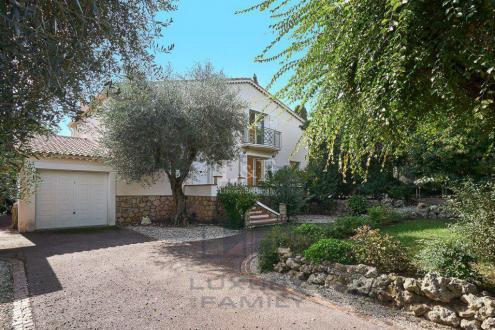 Villa di lusso in vendita LE CANNET, 5 Camere, 1095000€