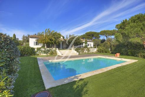Propriété de luxe à vendre SAINT TROPEZ, 184 m², 4 Chambres