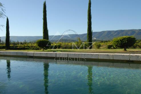 Luxury House for rent CABRIERES D'AVIGNON, 550 m²,