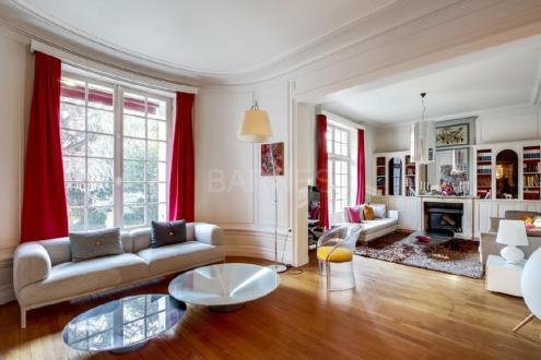 Hôtel particulier de luxe à louer NANTES, 400 m², 7 Chambres