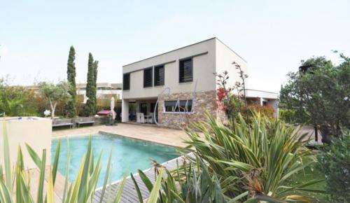Luxus-Haus zu verkaufen SAINT RAPHAEL, 165 m², 4 Schlafzimmer, 940000€