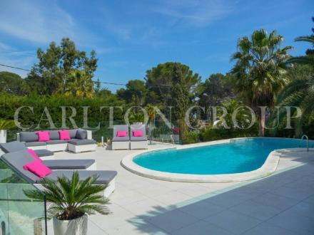 Maison de luxe à louer CAP D'ANTIBES, 140 m², 4 Chambres