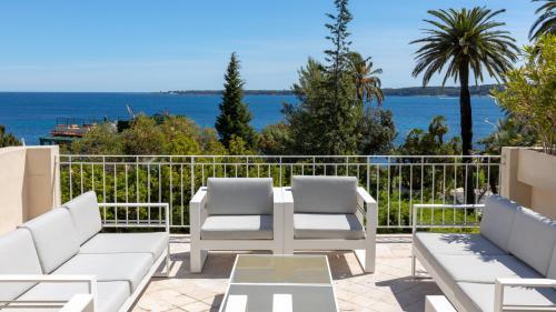 Luxus-Villa zu verkaufen CANNES, 420 m², 8 Schlafzimmer, 3900000€
