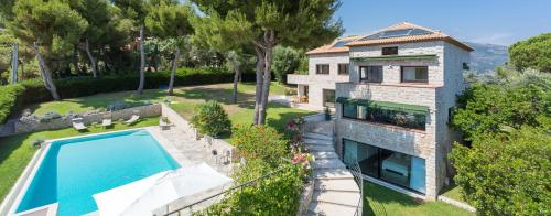 Luxury House for rent ROQUEBRUNE CAP MARTIN, 450 m², 5 Bedrooms