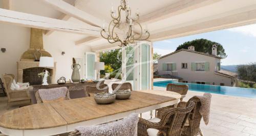 Maison de luxe à louer SAINT PAUL, 600 m², 6 Chambres