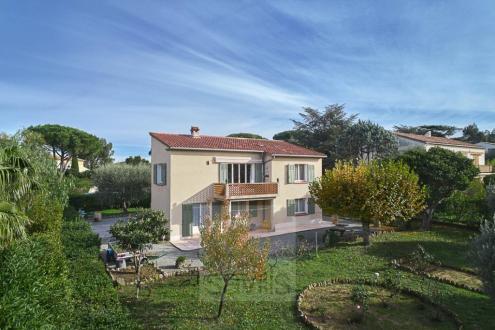 Maison de luxe à vendre SAINT TROPEZ, 200 m², 4 Chambres, 2650000€