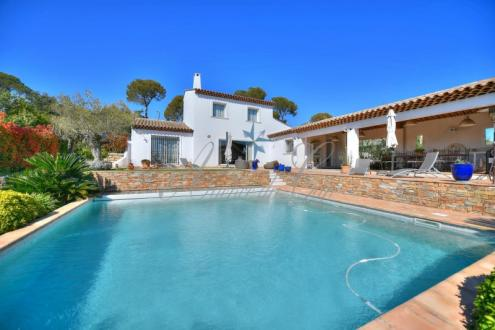 Luxus-Haus zu verkaufen SAINT RAPHAEL, 200 m², 3 Schlafzimmer, 1195000€