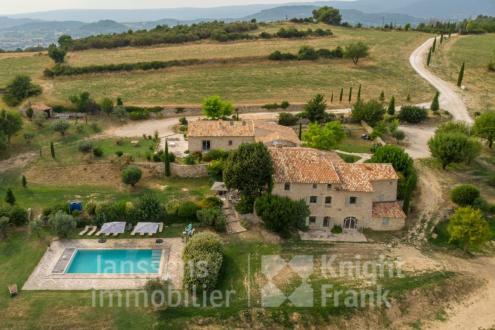 Farm di lusso in vendita APT, 333 m², 9 Camere, 2120000€