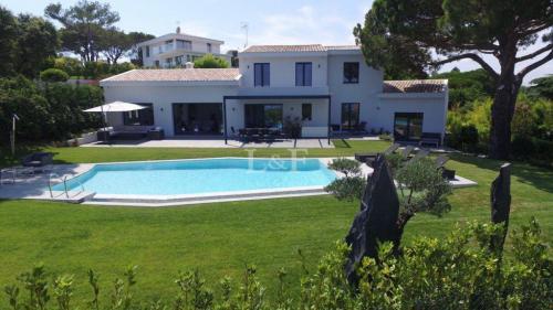 Villa di lusso in vendita VALLAURIS, 425 m², 5 Camere, 3550000€