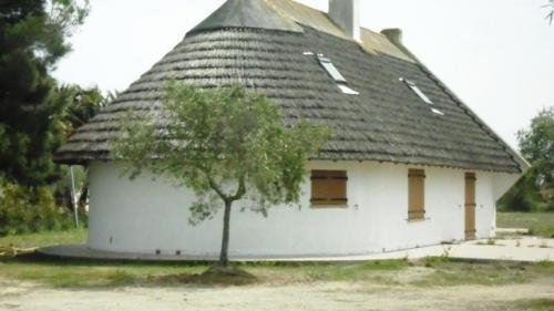 Поместье класса люкс на продажу  Сент-Мари-Де-Ла-Мер, 150 м², 2 Спальни, 795000€