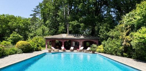 Luxus-Haus zu vermieten URRUGNE, 700 m², 7 Schlafzimmer