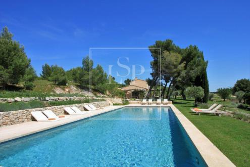 Luxury House for rent MAUSSANE LES ALPILLES, 350 m², 7 Bedrooms