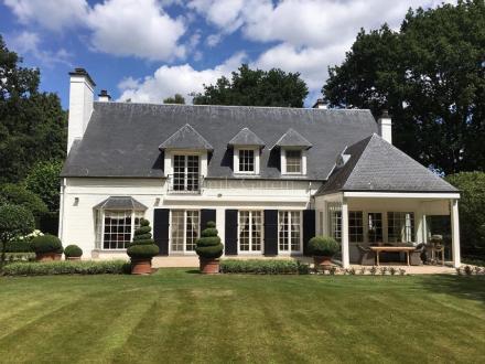 Maison de luxe à vendre RHODE SAINT GENESE, 350 m², 4 Chambres