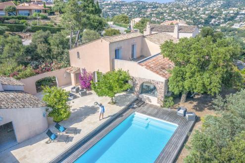 Maison de luxe à vendre LES ISSAMBRES, 270 m², 5 Chambres, 1290000€