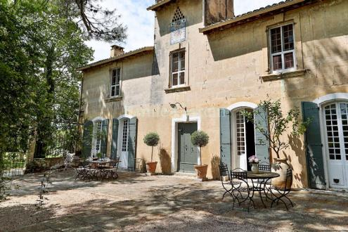 Luxury House for rent TARASCON, 700 m², 9 Bedrooms