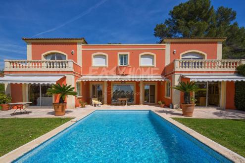 Maison de luxe à vendre MOUGINS, 244 m², 4 Chambres