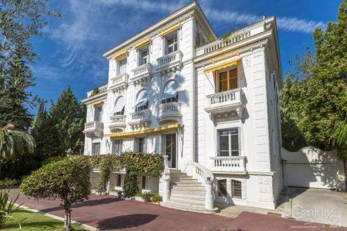Appartement de luxe à vendre NICE, 214 m², 5 Chambres