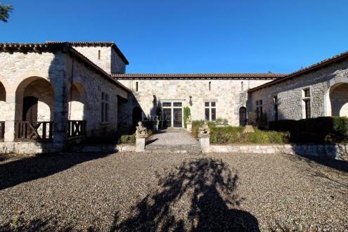 Château / Manoir de luxe à vendre TOUFFAILLES, 350 m², 3 Chambres, 795000€
