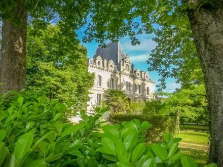 Luxus-Schloss / Herrenhaus zu verkaufen BERGERAC, 600 m², 16 Schlafzimmer, 1050000€