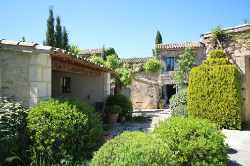 Luxury House for sale EYGALIERES, 200 m², 4 Bedrooms, €1260000