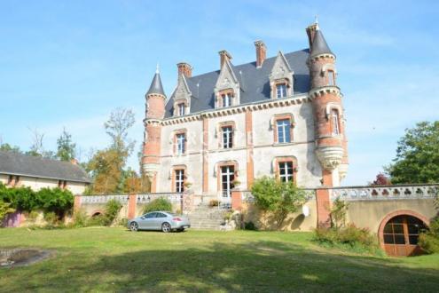 Château / Manoir de luxe à vendre THOUARCE, 345 m², 8 Chambres