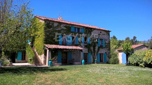 Propriété de luxe à vendre TOURRETTES, 340 m², 4 Chambres, 1695000€